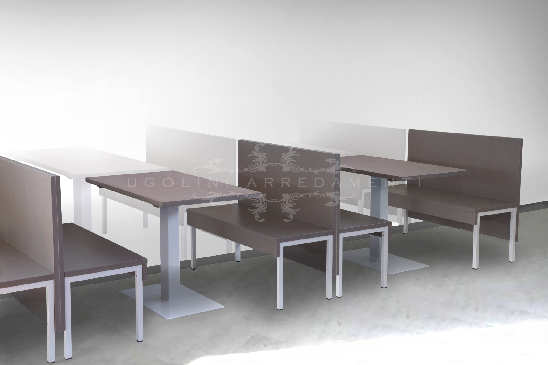Elegante set panche e tavolo in metallo 175