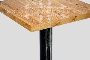 Tavolo in rovere nodato con base in ferro - 190 - dettaglio piano in rovere nodato 1