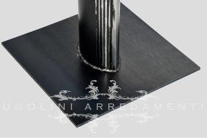 Tavolo in rovere nodato con base in ferro - 190 - dettaglio base in ferro 1