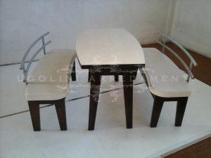Panche e tavolo