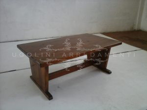 Tavolo basso in legno