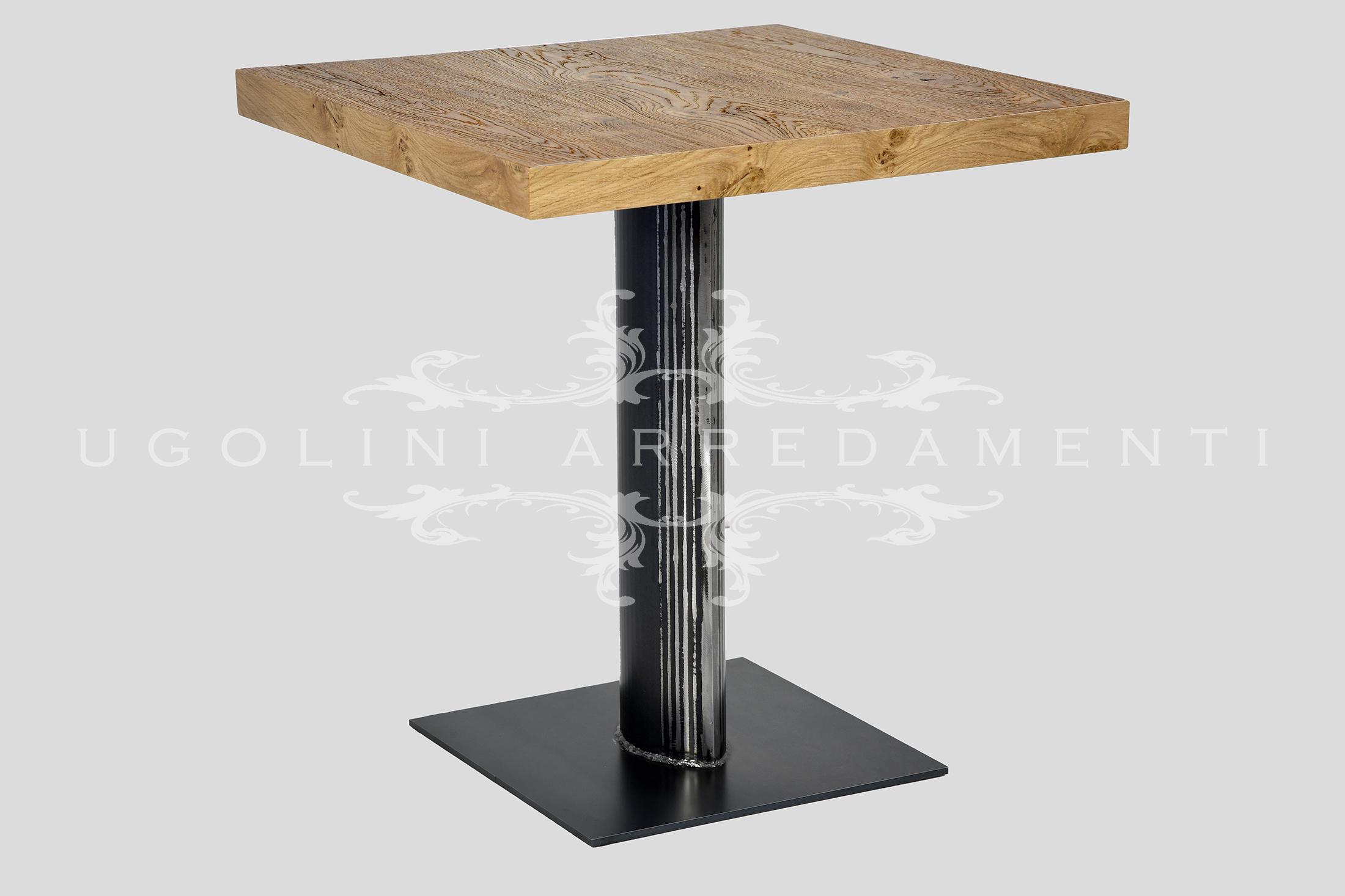 Tavolo in rovere nodato con base in ferro